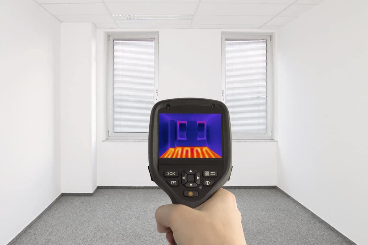 http://www.verwarming-info.be/wp-content/uploads/elektrische-vloerverwarming-leggen.jpg